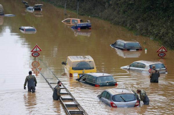 Pictures : Rains Pounds China, Nigeria, US, Europe, Thousands Of Cars Submerged And Washed Away - autojosh