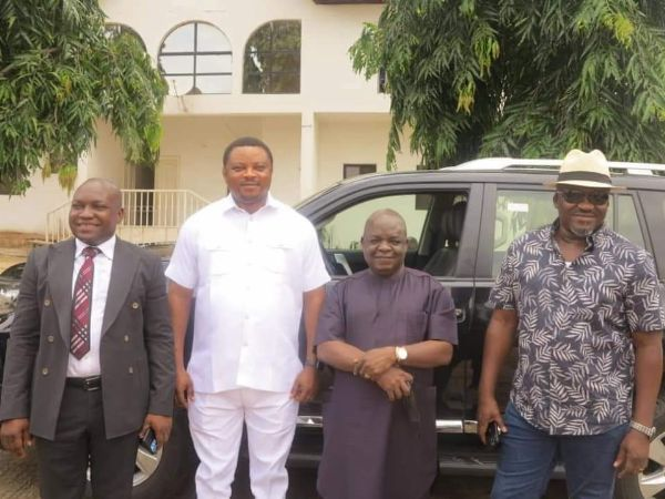Cross River Governor Ayade Gifts Toyota Land Cruiser SUVs To Reps Who Decamped To APC - autojosh