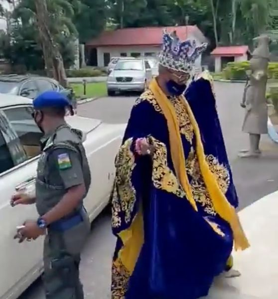 Oluwo Of Iwo Land Arrives In Style At The Palace Of Sir Gabriel Igbinedion In A Rolls-Royce Phantom - autojosh
