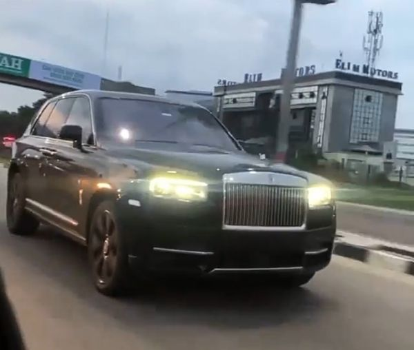 N300m Rolls-Royce Cullinan Cruising Majestically On The Streets Of Lagos - autojosh