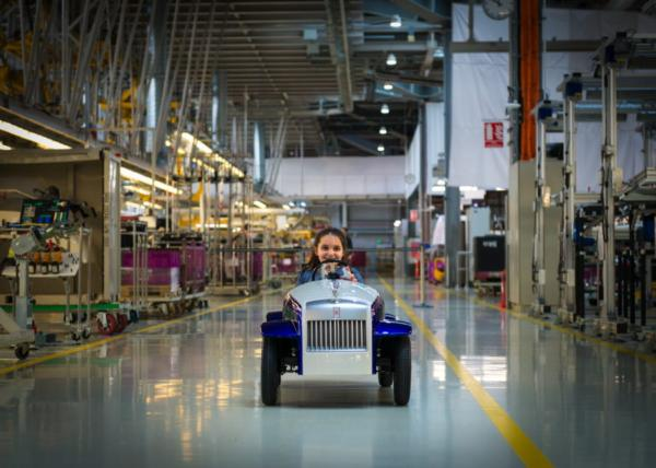 Electric Car Driven By Kids To The Surgery Room Returns To Rolls-Royce Factory For 62 Miles Service - autojosh