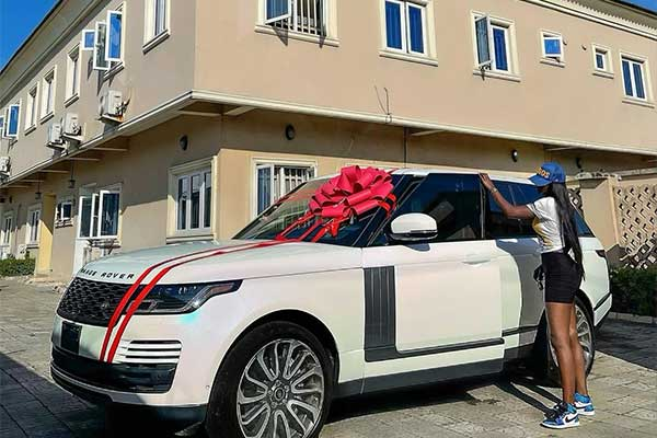 Celebrity Fashion Designer Tolu Bally Acquires A Range Rover Supercharged SUV