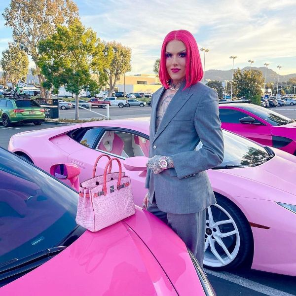 Meet Jeffree Star, The World's Richest YouTuber - Checkout His Insane 'Pink' Car Collection - autojosh