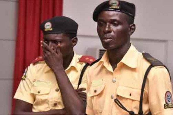 LASTMA Dismiss Officer Caught On Camera Soliciting Bribe From Vehicle Owner - autojosh