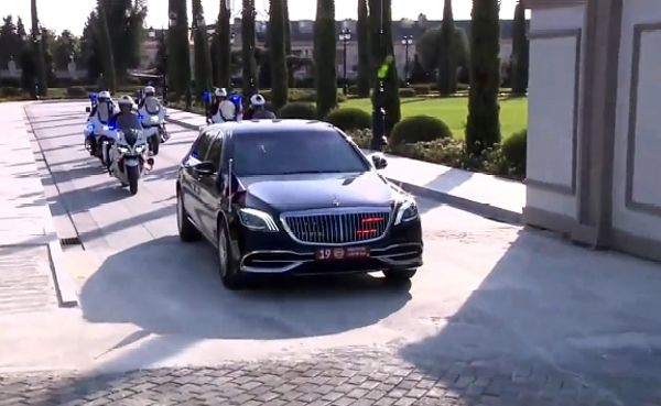 French President Macron Arrives In Armoured Mercedes-Maybach S-Class As He Visits Kurdistan In Iraq - autojosh