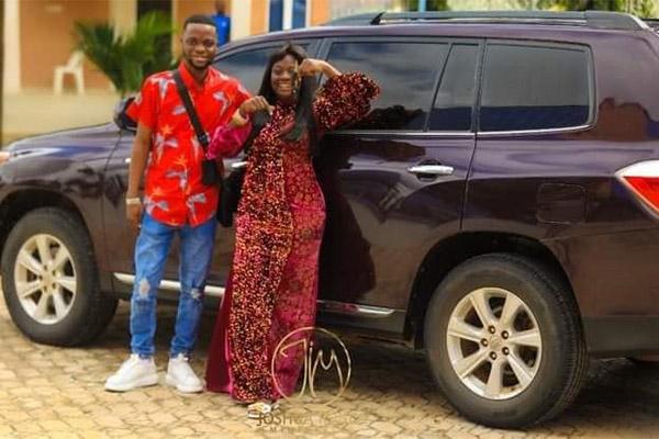 Oniduro Mi Crooner 'Yinka Alaseyori' Gets Toyota Highlander From Pastor Iginla After Ministration In Abuja - autojosh