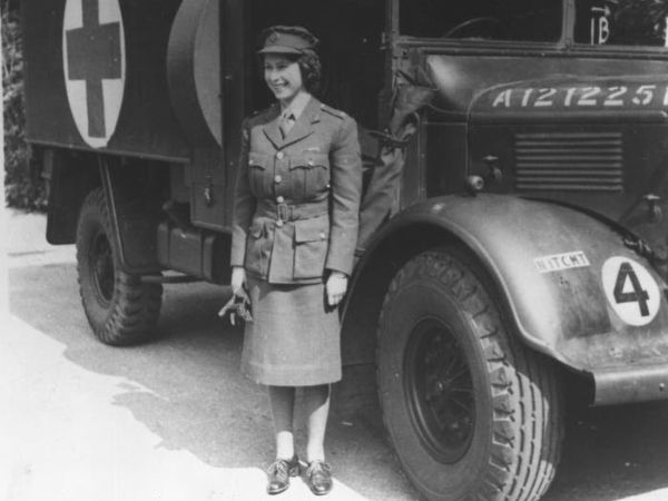 Throwback : A Princess, A Driver And A Mechanic During World War II, Now Queen Elizabeth II - autojosh