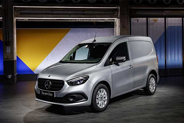 Mercedes-Benz Citan Debuts With French Connections