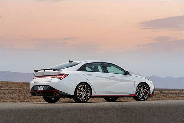 Hyundai Unveils Most Powerful Elantra N Variant That Outputs Almost 300 Hp