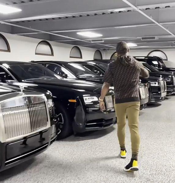 Cars In Alaafin's, Oluwo's Garage, Olu Of Warri's New Cars, World's Longest Car With Swimming Pool, August News You Missed - autojosh