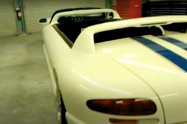 This 25-foot Long, 12 Seater Dodge Viper Limousine Is An Head Turner, But It Failed To Sell For $135,000 - autojosh