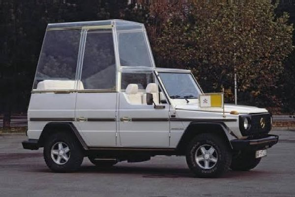 Popemobile : Pope Francis Uses Glass-sided Armoured Mercedes G-Class During His Trip To Slovakia - autojosh