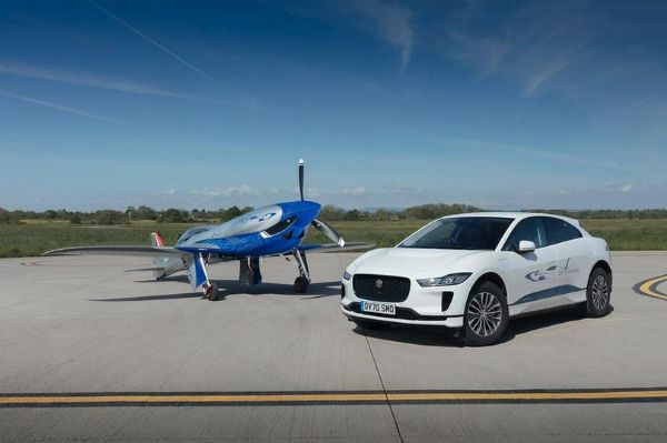 Jaguar SUV Tows Rolls-Royce Electric Aircraft As It Takes To The Skies For The First Time - autojosh