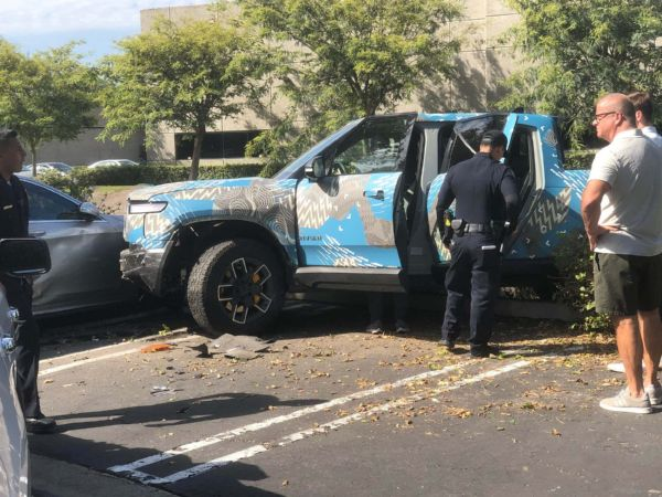 First Rivian R1T Crash As Driver Crashes Electric Pickup Into Mercedes S-Class, Ford Explorer - autojosh