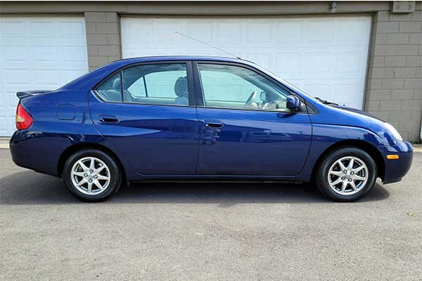 Throwback Thursday: 1st Generation Toyota Prius Started The Mass Produced Hybrid