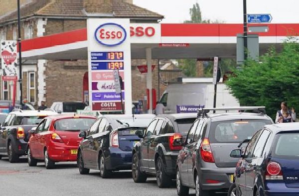 UK To Deploy Army To Drive Tankers After Fuel Scarcity Sparked Long Queues And Panic Buying - autojosh